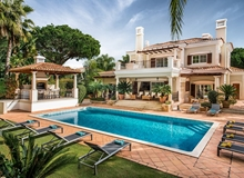 Luxury 4 Plus 1 Bedroom Villa Quinta Do Lago Within Walking Distance To Shops And Restaurants.