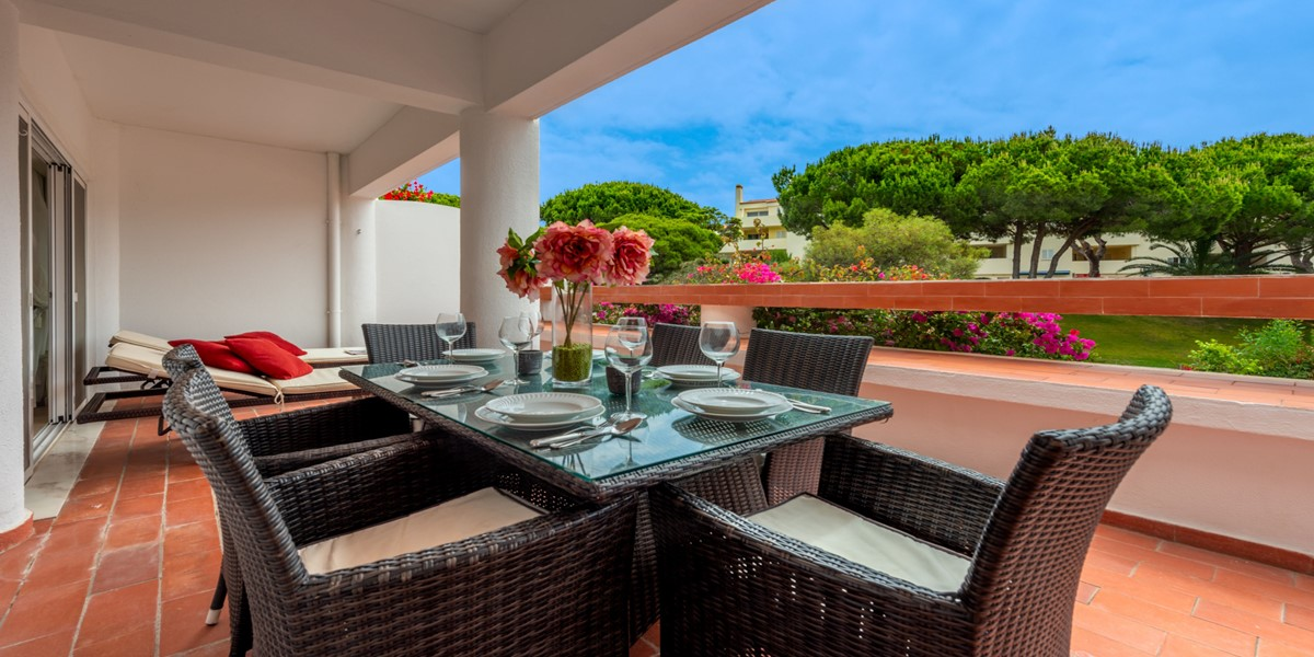 Large Private Terrace Vale Do Lobo