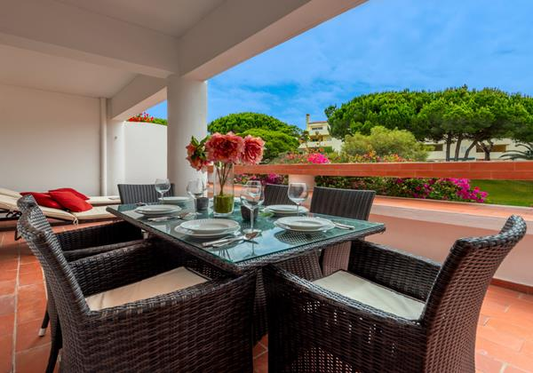 Large Private Terrace Vale Do Lobo