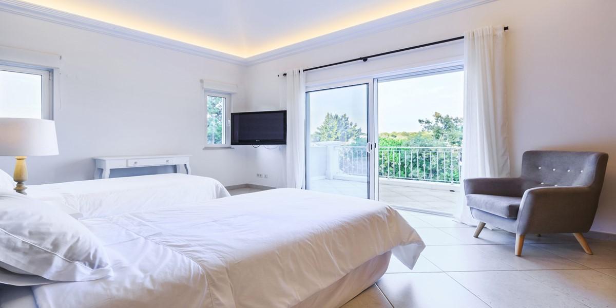 Comfortable Twin Bedroom Villa Rental Quinta Do Lago