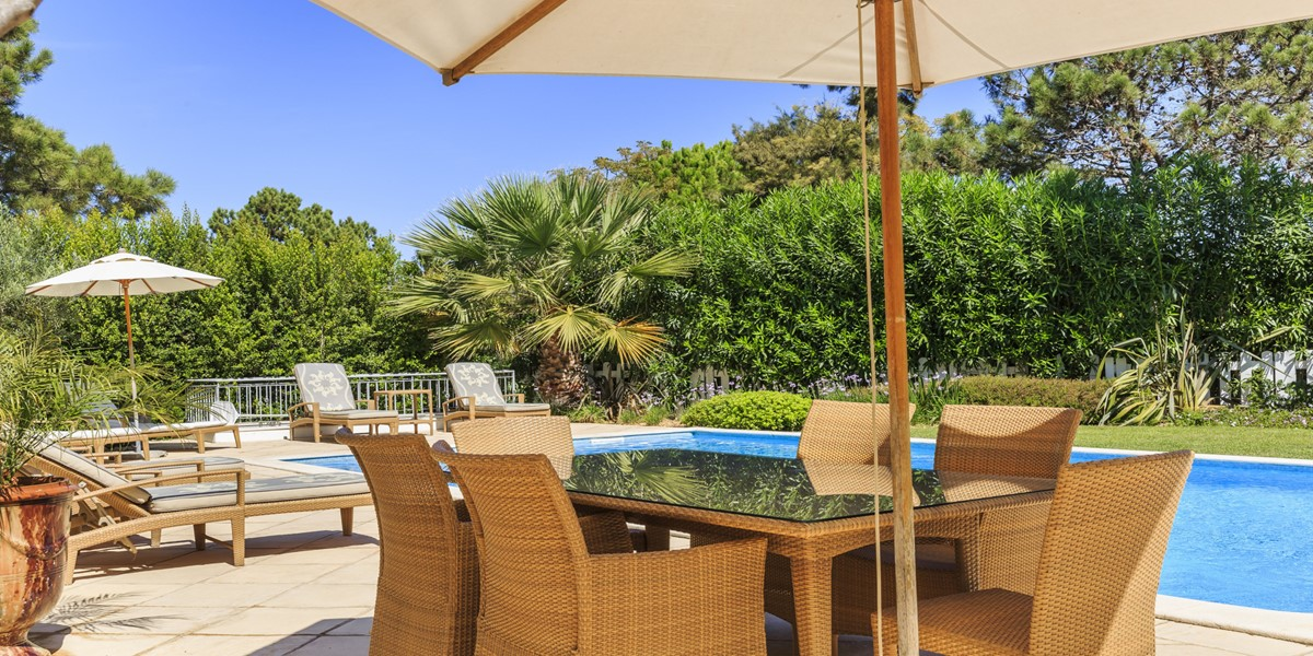 Poolside Dining Table Quinta Do Lago