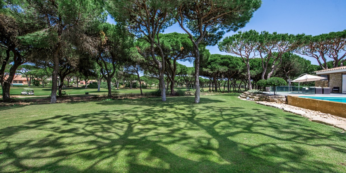 Large Garden With Golf Course View Vacation Villa Rental Vilamoura