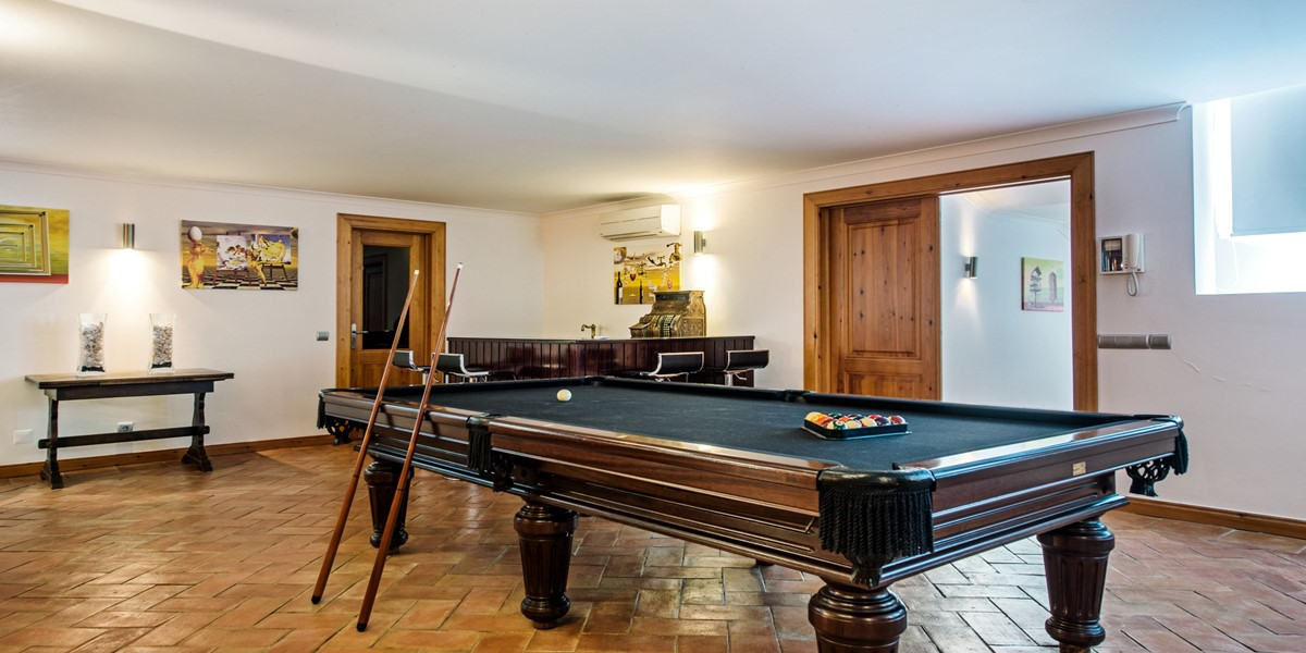 Luxury Games Room Holiday Rental Villa Vilamoura