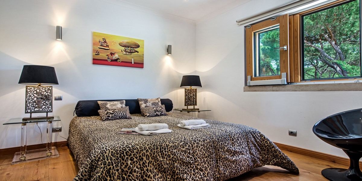 Luxury King Size Bedroom Holiday Rental Villa