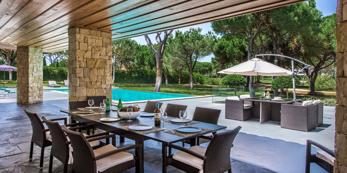 Outside Dining Area Rental Villa Vilamoura