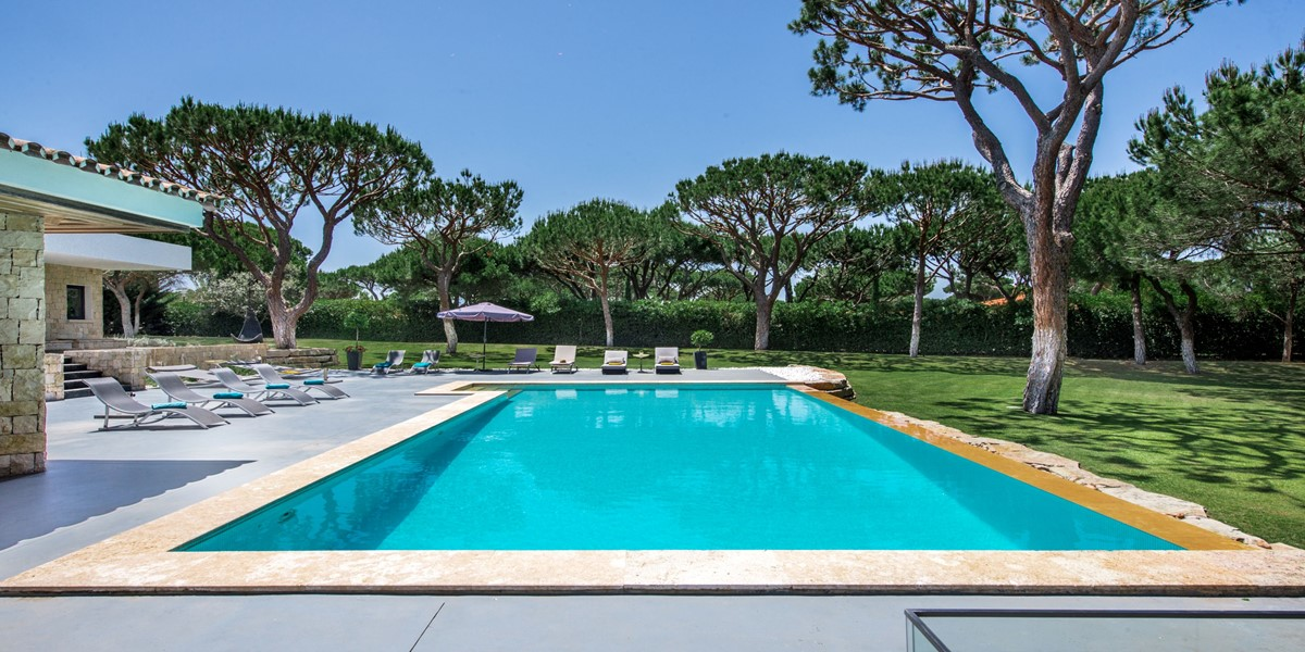 Stunning Swimming Pool Holiday Rental Villa Vilamoura
