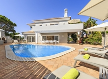 5 Bedroom Villa In Vale Do Lobo Within Walking Distance To The Beach