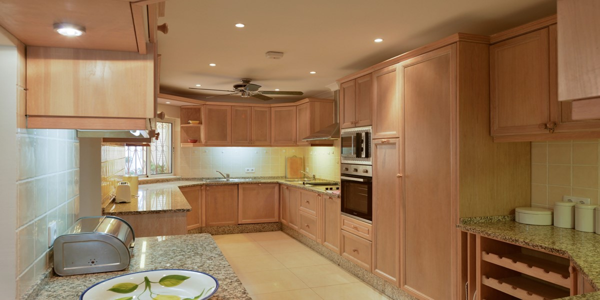 Fully Equipped Kitchen Holiday Rental Villa Vale Do Lobo