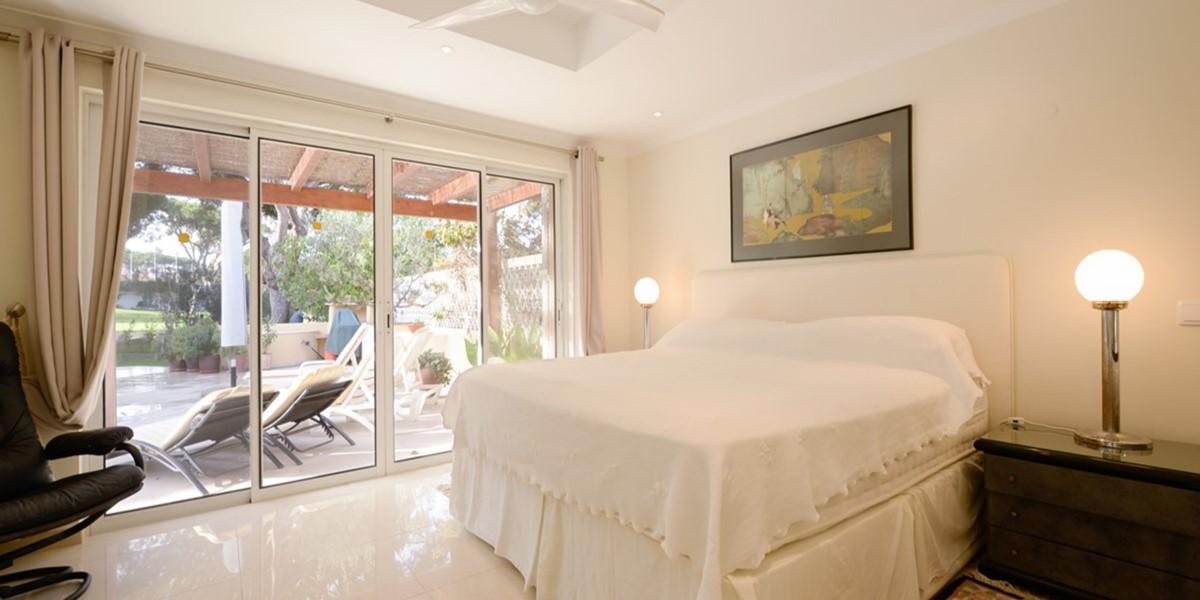 Modern King Size Bedroom Vacation Rental Villa Vale Do Lobo