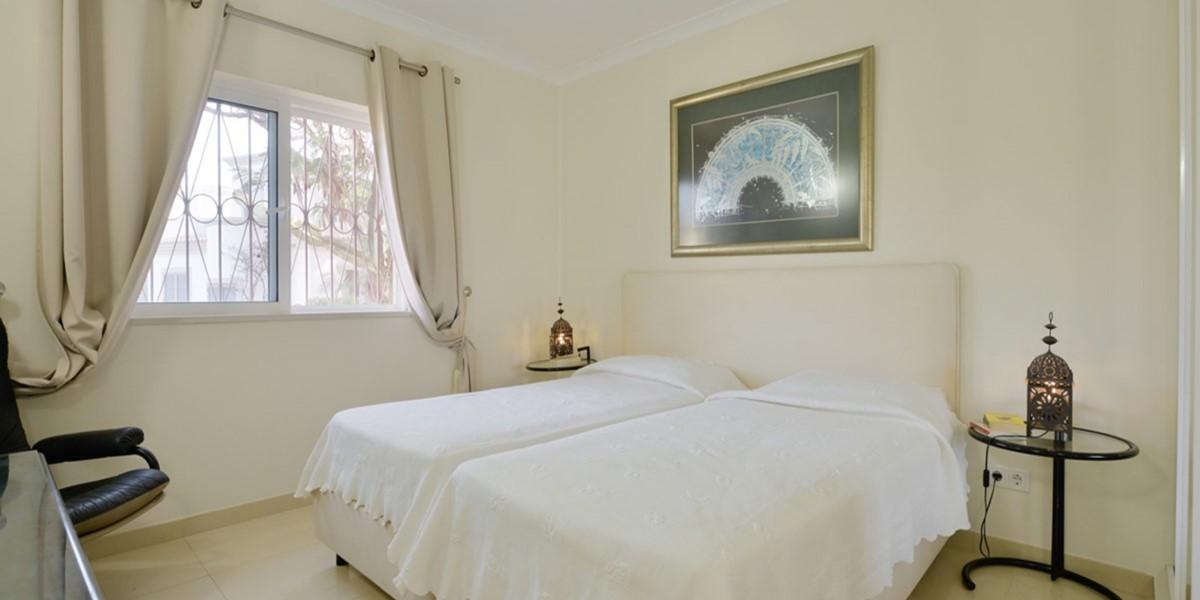 Modern Twin Bedroom Holiday Rental Villa Vale Do Lobo
