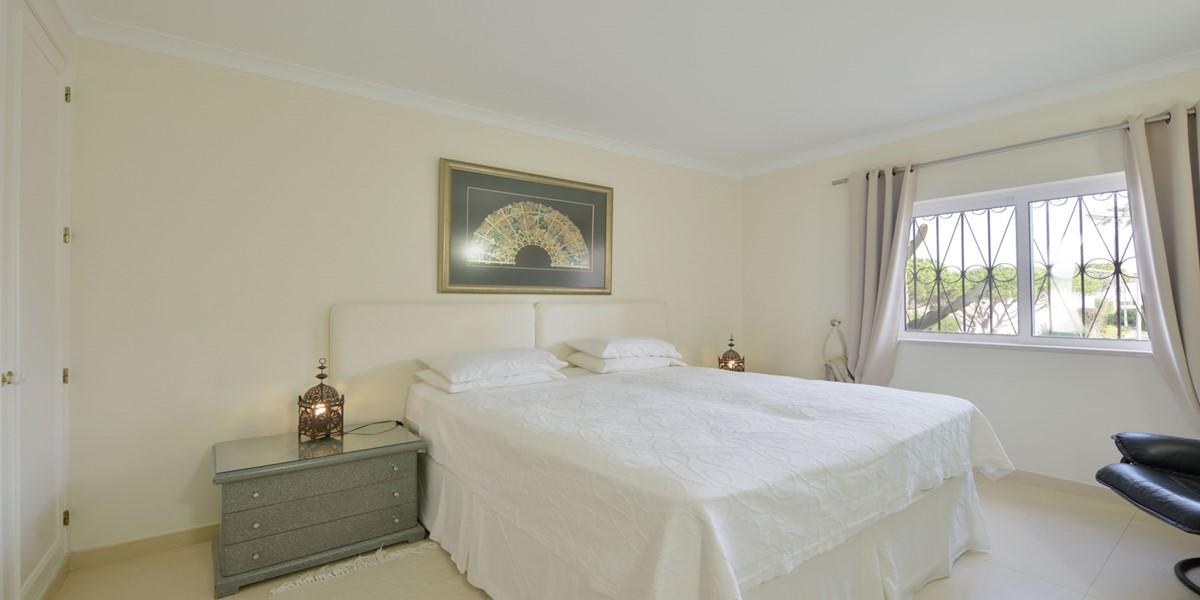 Twin Bedroom Vacation Rental Villa Vale Do Lobo