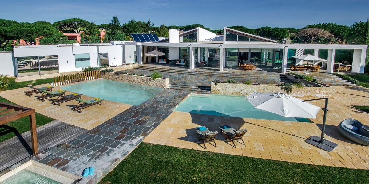 6 Bedroom Villa To Rent In Algarve