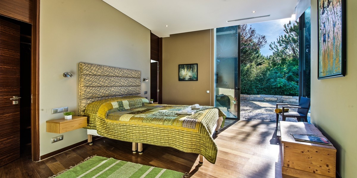 Beautiful King Size Bedroom Vilamoura Villa