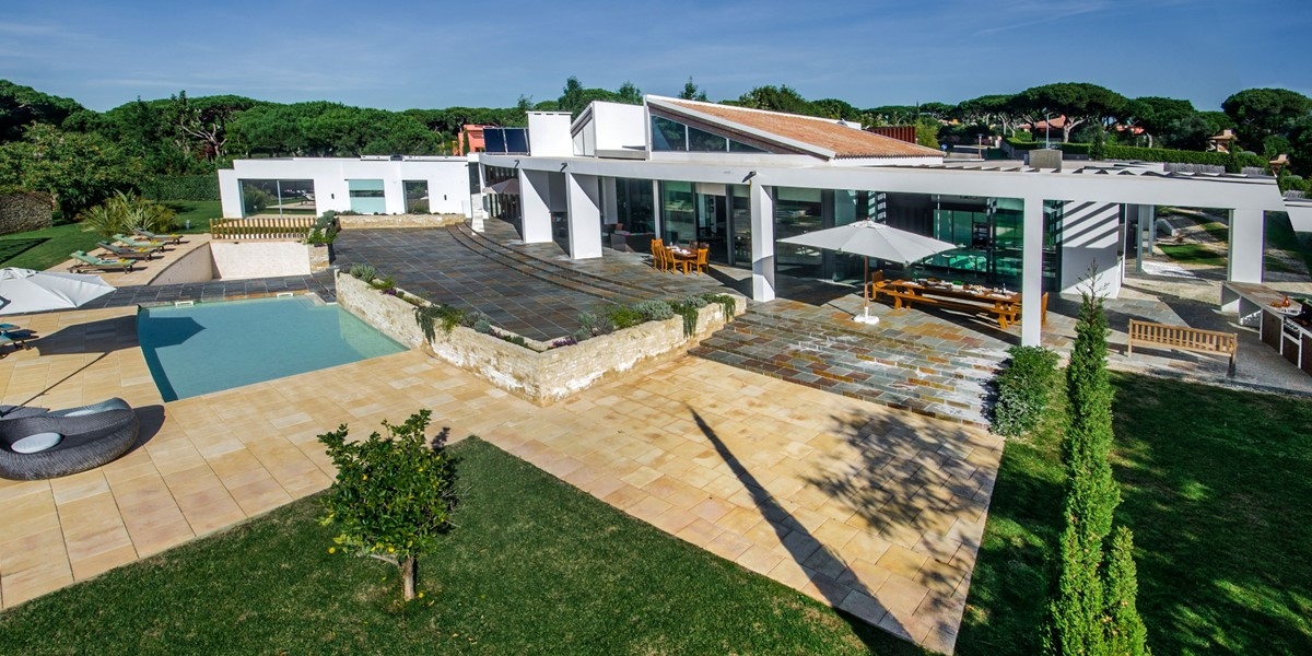 Beautiful Villa For Large Groups To Rent In Vilamoura Algarve