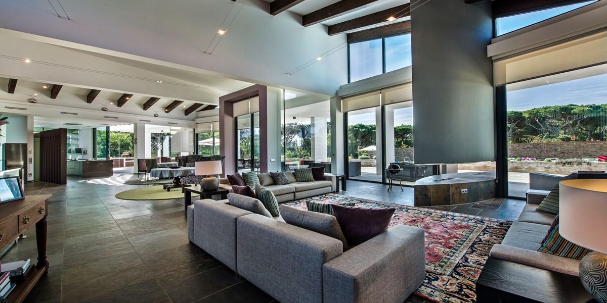 Contemporary Open Plan Living Area In Family Villa To Rent Algarve