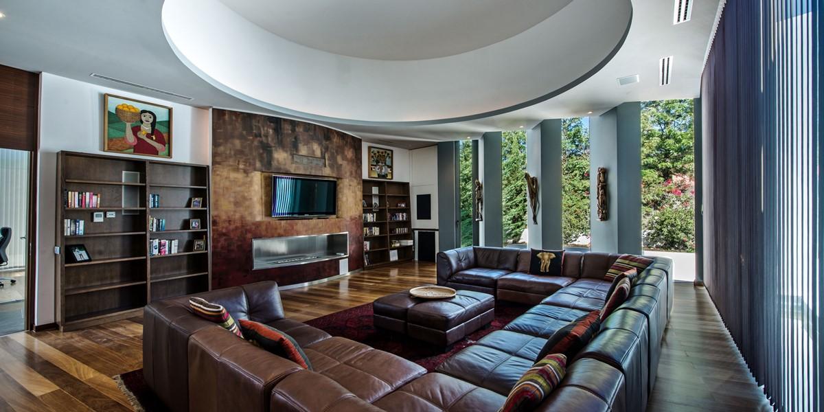 Fabulous TV Room In Family Villa To Rent Vilamoura
