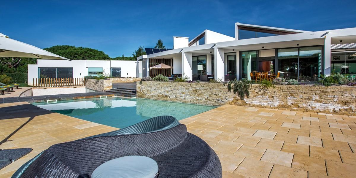 Family Holiday Villa To Rent Algarve