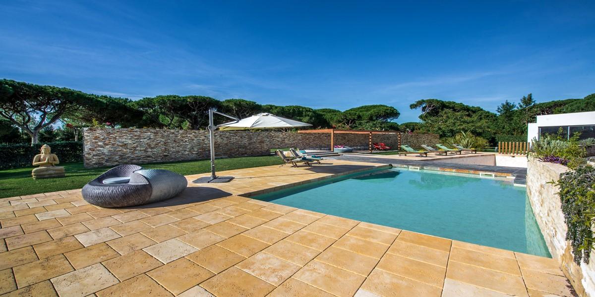 Large Villa To Rent In Algarve Portugal