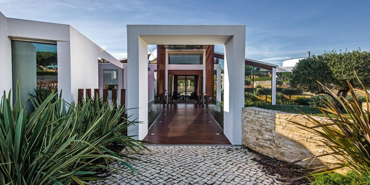 Modern Algarve Villa To Rent