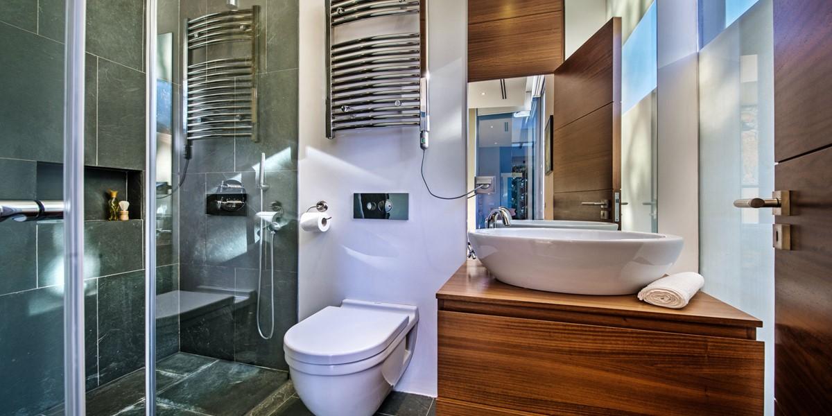 Shower Room In Vilamoura Holiday Villa