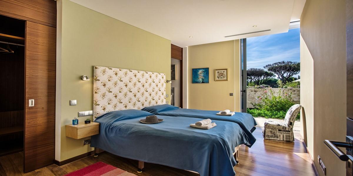 Twin Bedroom In Villa For 12 People Vilamoura