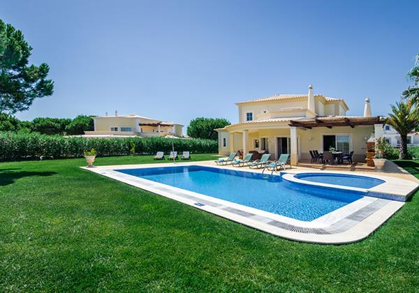 Spacious Swimming Pool Holiday Rental Villa Vila Sol